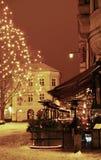 Winternacht in der alten Stadt Lizenzfreie Stockfotos