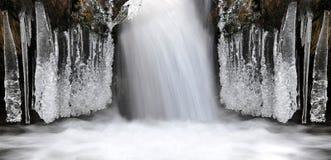 Winternebenfluß Lizenzfreie Stockfotos