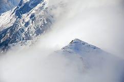 Winterpanorama von Bergen Stockfotos