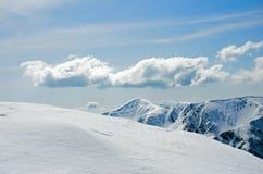 Winterpanorama von Bergen Stockfotografie