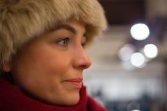Winterporträt der hübschen Frau Stockbilder