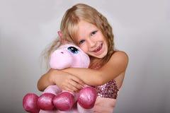 Winterportrait des kleinen Mädchens Lizenzfreies Stockbild