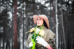 Winterportrait einer jungen Frau Stockfotografie