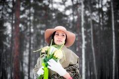 Winterportrait einer jungen Frau Lizenzfreies Stockbild
