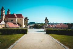 Winterresidenz des Lichtensteins, Statuen im Park Valtdice Czeh-Republik Stockfotografie