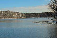 Winterruhe bei Burke Lake, Virginia stockbild