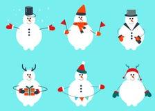 Wintersatz des Schneemannes mit Feiertagsdekoration in der unterschiedlichen Kleidung lizenzfreie abbildung