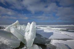 Winterslandschap, Winter landscape. Kruiend ijs op het IJsselmeer Nederland, Drifting ice on the IJsselmeer Netherlands royalty free stock photography