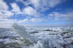 Winterslandschap, Winter landscape. Kruiend ijs op het IJsselmeer Nederland, Drifting ice on the IJsselmeer Netherlands royalty free stock images