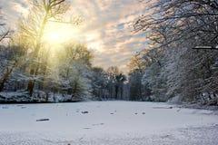 Wintersonnenuntergang Lizenzfreie Stockfotos