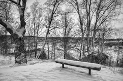 Wintersonnenuntergang vom Hügel Stockbilder