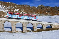 Wintersport: Parsenn halna kolej w szwajcarskim alps abov obrazy royalty free
