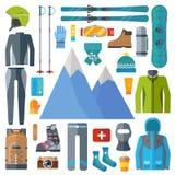 Wintersportkleidungs- und -ausrüstungsikonensatz Skifahren, Snowboardingvektor lokalisiert Skiortelemente im flachen Design Stockbild