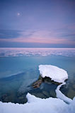 Winterstern über dem Meer Stockfotos