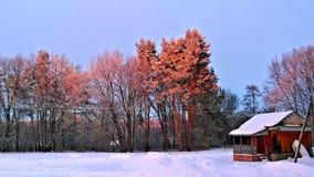 Wintersunset στη ρωσική επαρχία Στοκ εικόνες με δικαίωμα ελεύθερης χρήσης