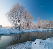 Winterszene auf dem Fluss Lizenzfreies Stockbild