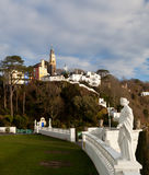 Winterszene bei Portmeirion in Wales Stockbild