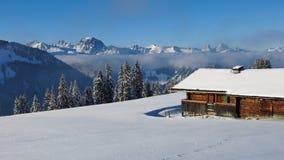 Wintertag auf Berg Hohe Wispile, Gstaad Stockfoto
