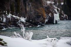 Wintertag am Oberen See lizenzfreie stockbilder