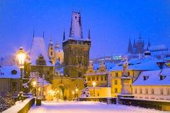Wintertime Charles bridge, Prague, Czech republic Royalty Free Stock Photos