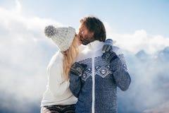 Winterurlaube im Schnee stockfotografie