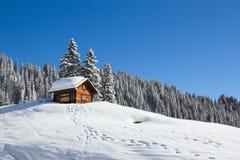 Winterurlaubhaus lizenzfreies stockbild