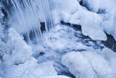 Winterwasserfall Stockfoto