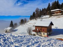 Winterzeitansicht in das Dorf von Stoos in der Schweiz Stockbild