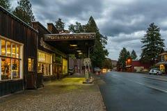 Winthrop, EUA - 15 de setembro de 2018: cidade pequena de opinião da rua no norte do destino turístico do estado de Washington imagem de stock