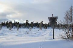 wintry signpost Royaltyfri Fotografi
