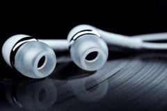 Winylowi rejestry i słuchawki zdjęcie royalty free