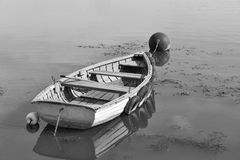 Wioślarska łódź cumował na jeziornym Balaton, Węgry Fotografia Stock