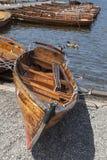 Wioślarskie łodzie cumowali przy Boweness na Windermere, Jeziorny Windermere Obrazy Royalty Free