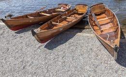Wioślarskie łodzie cumowali przy Boweness na Windermere, Jeziorny Windermere Zdjęcie Royalty Free
