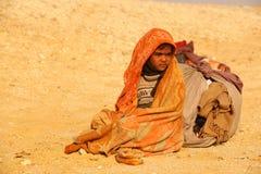 Wiosek biedni ludzie w pustyni zdjęcia royalty free