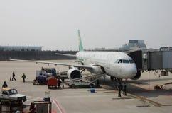 Wiosen linii lotniczych samolot Fotografia Royalty Free