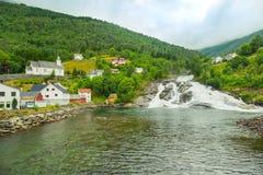 Wioska domy na halnych skłonach, Norwegia zdjęcie royalty free