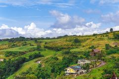 Wioska domy w góra krajobrazie, obrazy stock