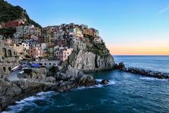 Wioska Manarola, Cinque Terre, Włochy Save ściągania zapowiedzi Manarola wioska, Cinque Terre, Włochy Zdjęcia Royalty Free