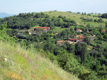Wioska na wzgórzu zdjęcia royalty free