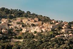 Wioska Occhiatana w Balagne regionie Corsica zdjęcie stock