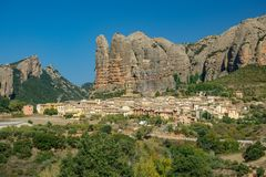 Wioska pod Aguero górami, Huesca, Hiszpania n2 Obrazy Royalty Free