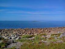 Wioska Rabocheostrovsk, Kem Bia?y morze w czasie odp?ywu morza Kemsky okr?g, republika Karelia, Rosja zdjęcie stock