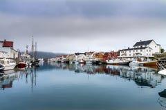 Wioska rybacka Henningsvaer wewnątrz lofoten, Norway Obrazy Royalty Free