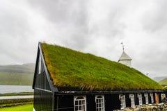 Wioska Saksun lokalizował na wyspie Streymoy, Faroe wyspy zdjęcie stock