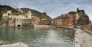 Wioska Vernazza na Cinque Terre wybrzeżu Włochy obraz stock