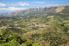 Wioska w górach obrazy royalty free