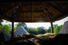 Wioska widok od słomianego depozytu Fotografia Royalty Free
