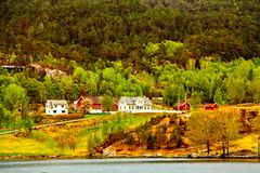 Wioska z barwionymi domami na wybrzeżu Północny morze Zdjęcie Royalty Free