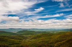 Wiosna barwi w Appalachian górach Shenandoah dolinie w Shenandoah parku narodowym i, Virginia. Fotografia Royalty Free